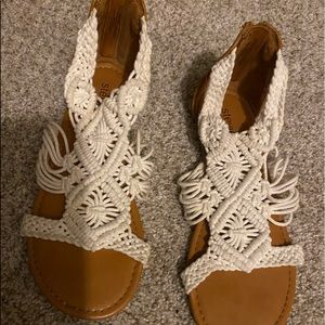 Adorable Stevies girls sandals size 3